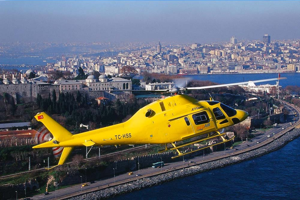PRIVATE HELICOPTER TOURS Hourly tours (15 min) Contact us